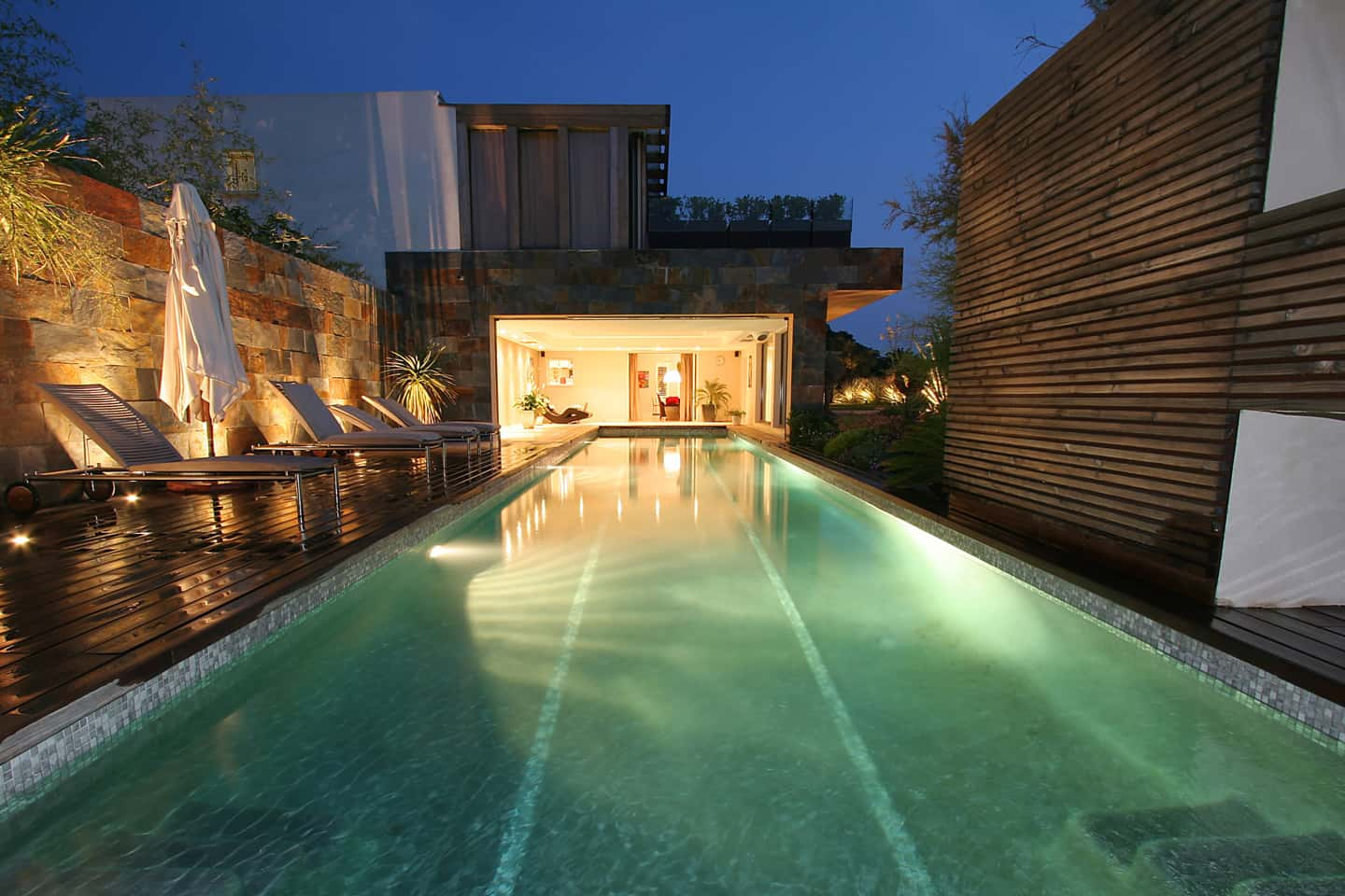 piscine nuit rectangle couloir de nage