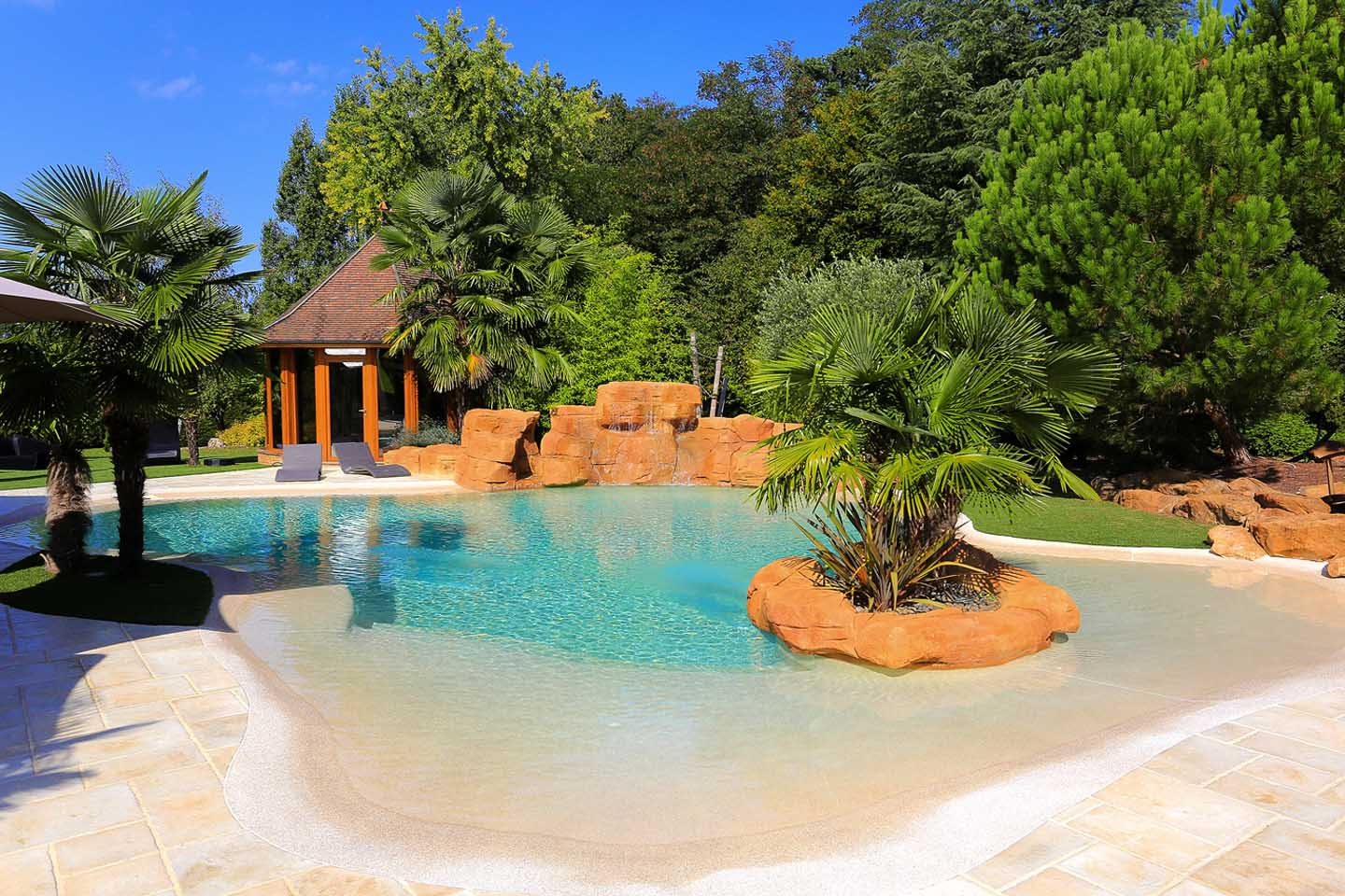 Lagoon pool diffazur swimming pools for Pool pictures