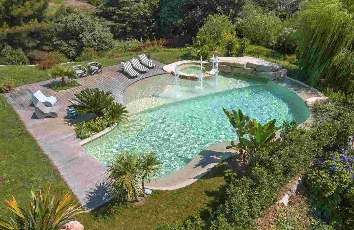 Piscine nature et naturelle piscines diffazur for Prix piscine diffazur