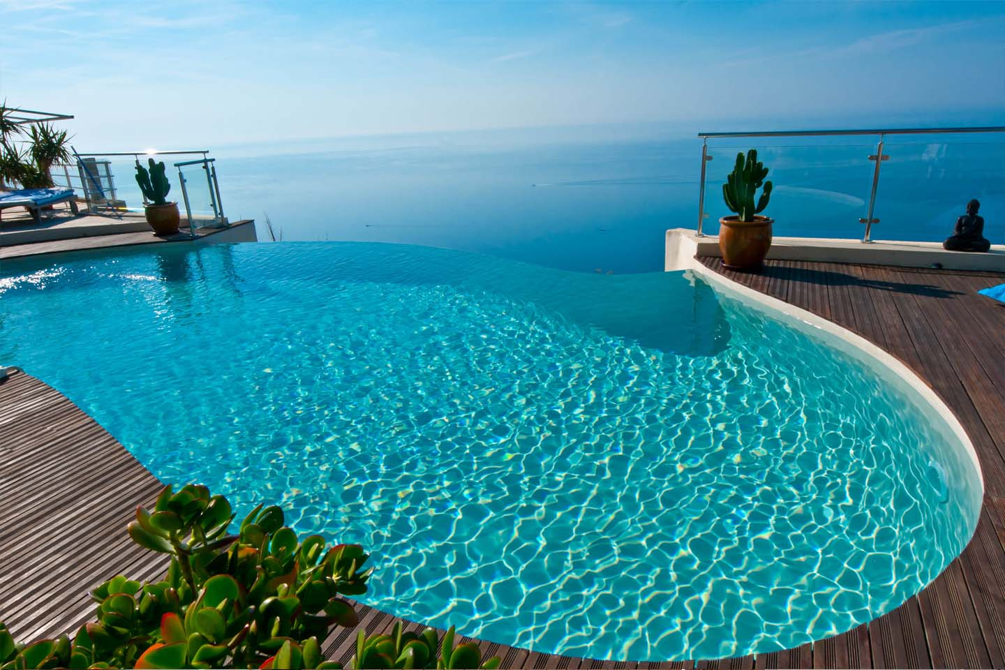 Infinity pool diffazur swimming pools for Photo piscine