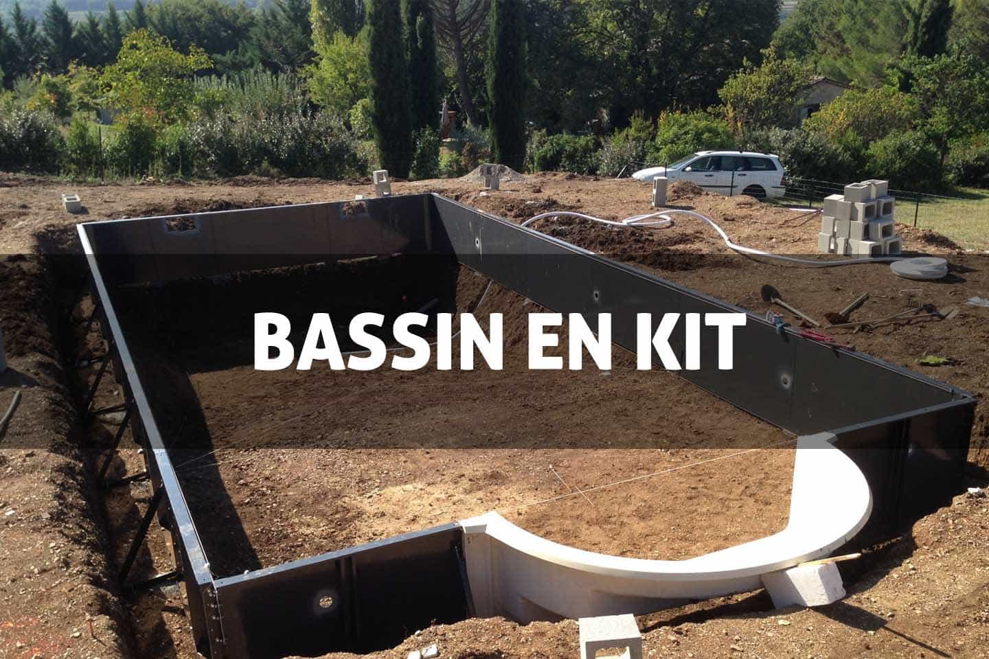Piscine en kit prix les piscines en kit polyester r for Prix piscine en kit