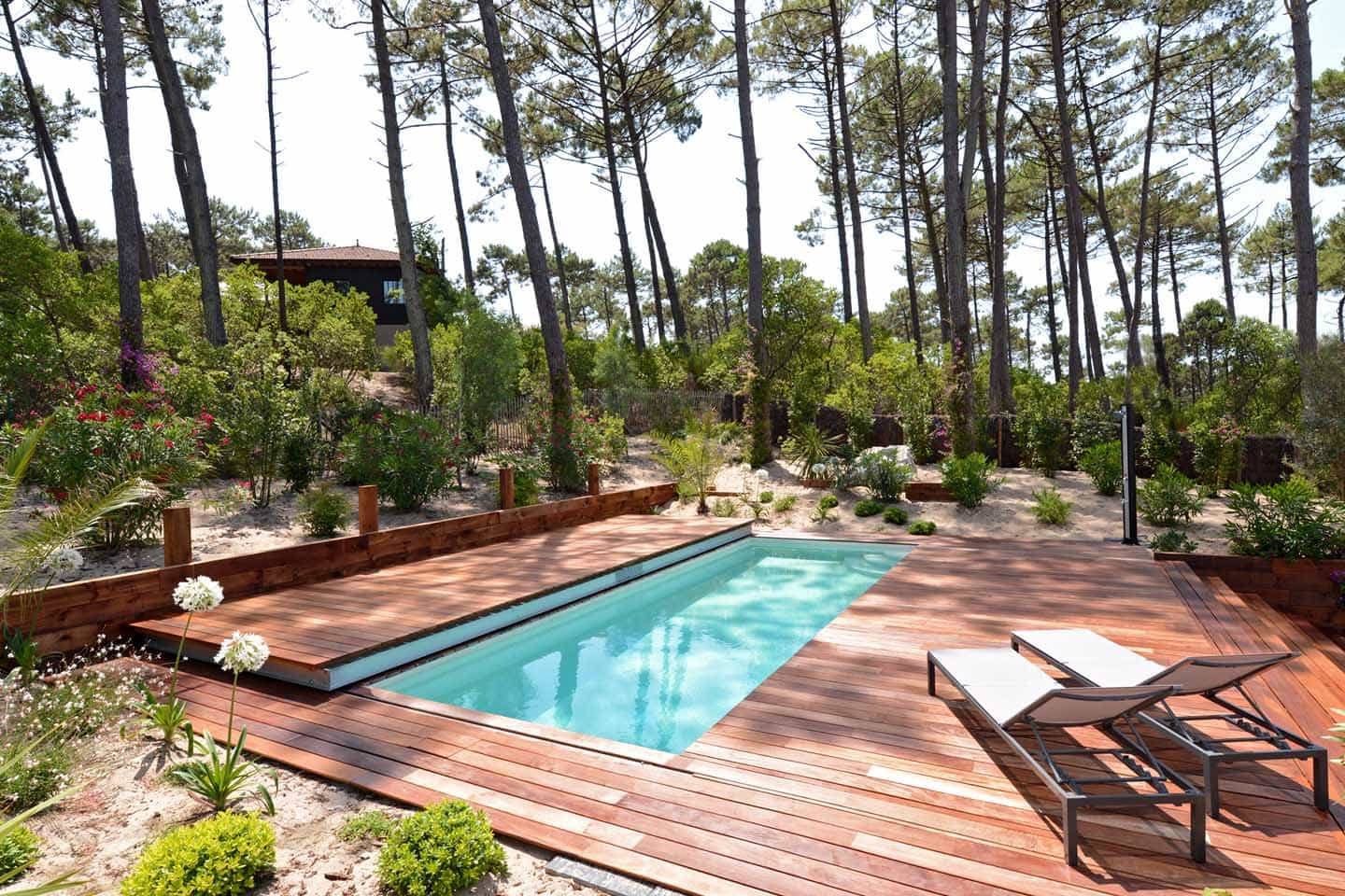 Inspiration une piscine perdue en provence diffazur for Piscine coffrage perdu
