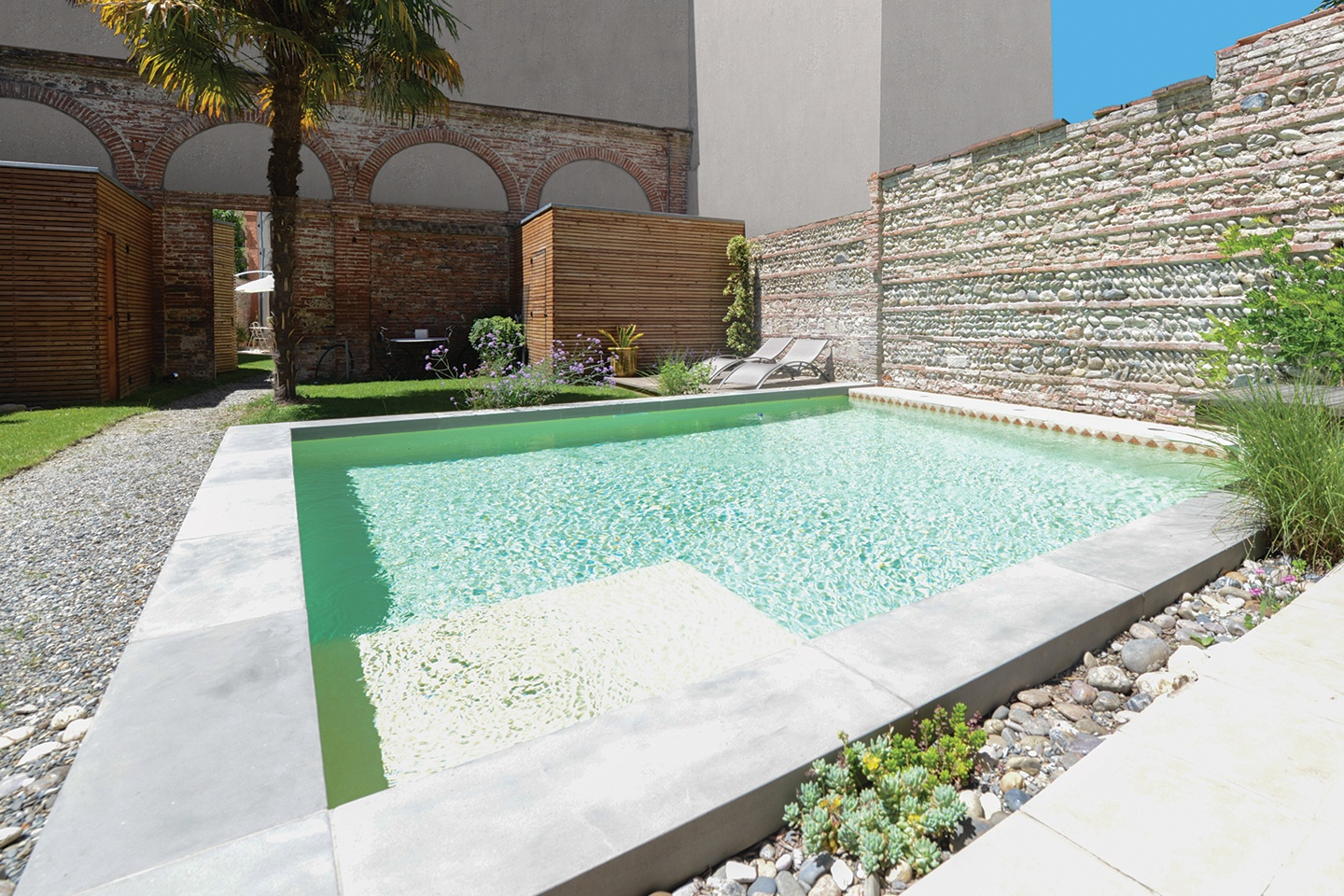 piscine-beton-projete-rectangle-familiale-diffazur-piscines