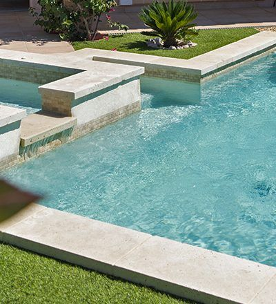 mini piscine beton arme